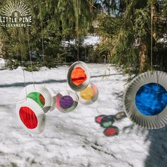 Take these DIY color viewers outdoors for a fun color activity! Kids can look through them and watch snow and clouds magically change colors. They look adorable hanging from a tree and and the color reflections are beautiful against the snow! Outdoor Activities For Toddlers, Winter Outdoor Activities, Forest School Activities, Snow Activities, Creative Activities For Kids, Color Activities, Kindergarten Activities, Winter Fun, Art For Kids