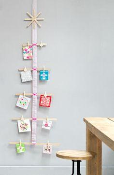 Kaartenboom - Tree made out of cards Kijk op www.101woonideeen.nl #tutorial #howto #diy #101woonideeen #kaarten #boom #cards #tree