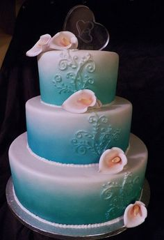 Sea Foam Calla Lily Cake |Pinned from PinTo for iPad|