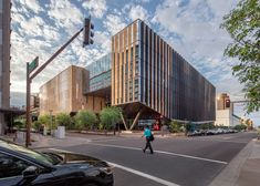 Called the Beus Center for Law and Society, the academic building is located on the Arizona State University (ASU) campus in downtown Phoenix, in a newly invigorated area with retail space, a bookstore and a cafe. It serves as the main home for the Sandra Day O'Connor College of Law.