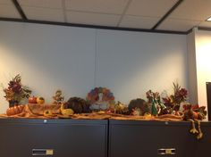 1000 images about monthly office decor df on pinterest for Thanksgiving decorations ideas for office