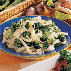 Broccoli Fettuccine Alfredo http://www.tasteofhome.com/recipes/broccoli-fettuccine-alfredo
