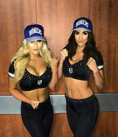 Dodgers Nation, Cholo Style, Dodgers Girl, Ice Girls, Gangsta Girl, Baseball Girls, Cute Couple Pictures, Black Girl Fashion, Girl With Hat