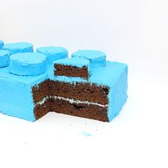 How to make a LEGO shaped cake - the easiest way!
