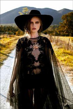 Disfrazarte de Bruja Sexy: Guía de Inspiración | http://yosoydiosa.com/2016/10/25/disfrazarte-bruja-sexy-guia-inspiracion/