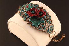 Bracelet handmade jewelry, vintage style Art Nouveau and boho, bracelet with elegant copper filigree and dark red poppies Handmade Bracelets, Handmade Jewelry, Unique Jewelry, Green Turquoise, Turquoise Stone, Vintage Style, Vintage Fashion, Red Poppies, Bracelet Designs