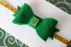 Adorable St. Patricks Day clips and headbands. Use code chirpingmoms15