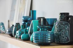 luzia pimpinella | home story | vintage vasen sammlung in petrol | teal vintage vases collection