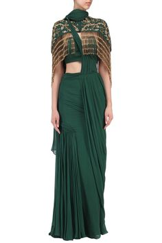 Dheeru And Nitika presents Bottle green drape saree with embroidered cape available only at Pernia's Pop Up Shop. Drape Sarees, Saree Draping Styles, Drape Gowns, Draped Dress, Saree Styles, Drape Blouse, Western Dresses, Indian Dresses, Indian Outfits