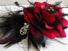Bought this fascinator to use on my wedding day from yanethandco on Etsy.  Can't wait to wear it, because it's so beautiful!