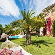Feel comfortable and enjoy your life despite the Corona virus. Consider a vacation property for the future! There are better times again. Luxury Real Estate Agent, Property Finder, Real Estates, Enjoy Your Life, Luxury Villa, Luxury Interior, Villas, Ibiza, Times