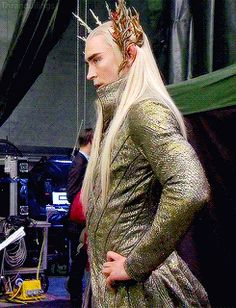 The Hobbit: the Desolation of Smaug behind the scenes BTS - Lee Pace #Thranduil