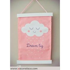 Banderola rosa nube Dream Big. Carteles bonitos de pared para decorar habitaciones infantiles - WWW.DECORATECA.COM