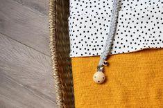 van Tara ⋒ (@vantara.nl) • Instagram-foto's en -video's Pearl Necklace, Van, Pearls, Jewelry, Instagram, Pictures, String Of Pearls, Jewlery, Jewerly