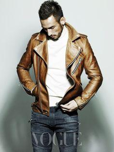 Tan leather jacket Pockets