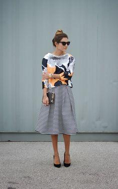 Dica Infalível pra Combinar Estampas: Look Listras+Floral Fashion Mode, Work Fashion, Modest Fashion, Fashion Outfits, Style Fashion, Skirt Fashion, Office Fashion, Fashion Trends, Fashion Ideas