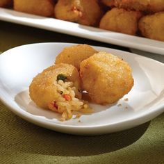 Omaha Steaks Risotto cakes have always been a hit with customers, so we decided to turn them into the perfect appetizer. Yummy Appetizers, Appetizer Recipes, Fettuccine Noodles, Omaha Steaks, Sour Cream Sauce, Gourmet Gifts, Cooking Wine, Beef Stroganoff, Vegetarian Recipes