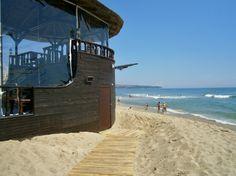 Kram schnell deine Badesachen zusammen und pack deinen Koffer, denn für dich geht es schon Ende Juni in den Sommerurlaub …