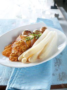 Würzige Hähnchenfilets mit Spargel - Ein Fleischgericht mit frischem Spargel und Rosmarin-Kartoffeln