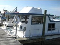 Saint Pete Beach Rental Home - Charming Houseboat! Perfect for Boat Lovers!