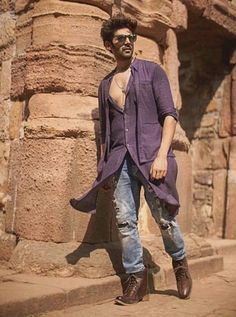 Mens kurta designs - Mens Kurta Designs & style which are in Trend, Styling the Right Bottoms with your Kurta, Kurta wit - Bollywood Images, Bollywood Couples, Bollywood Stars, Bollywood Fashion, Celebrity Fashion Looks, Celebrity Look, Indian Celebrities, Bollywood Celebrities, Mens Kurta Designs
