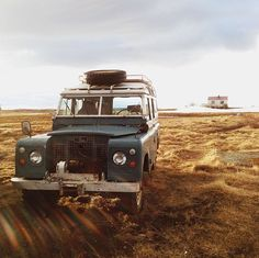 This looks like my daddy's Land Rover, which he rebuilt from scratch =)