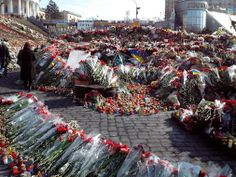 Flowers for the fallen heroes of Ukraine. 8.03. 14. Maidan