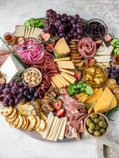 Best Cheese Board Cheese - My Favorite Cheeses for Cheese Boards Kinds Of Cheese, Best Cheese, Holiday Appetizers, Appetizer Recipes, Confit Recipes, Seafood Pasta Recipes, Cheese Party, Everything Bagel, Charcuterie Board