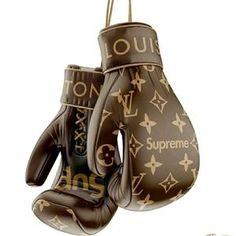 Louise Vuitton, Fashion Bags, Mens Fashion, Louis Vuitton Collection, Boxing Gloves, Boxing Boxing, Mode Style, Louis Vuitton Handbags, Prada