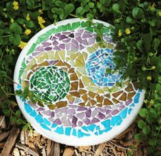 Stepping Stones: Mosaic Stained Glass Crafts By Rita-K Mosaic Flower Pots, Mosaic Pots, Mosaic Birds, Mosaic Diy, Mosaic Garden, Mosaic Crafts, Mosaic Projects, Mosaic Glass, Mosaic Ideas