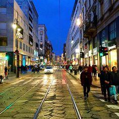 Via Torino #milano #milan #milanocity #milanobynight #milanodavedere #milanodascoprire #vivimilano #vivomilano #robemilanesi #igersmilano #ig_milano #instamilano #travelphoto #travelgram #travel #travels #traveler #traveling #traveller #travelingram #travelling by sweetlifeman