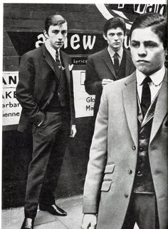 London mods, 1962. Right foreground is one Mark Feld, later to become known as Marc Bolan. youtubemusicsucks.com #marcbolan #trex