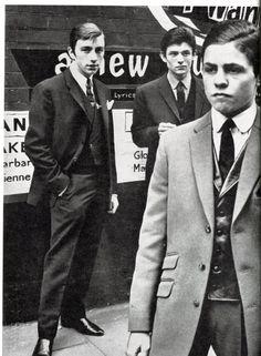 Before being a glam rock icon, Marc Feld aka Marc Bolan was a Mod Mod Fashion, 1960s Fashion, Vintage Fashion, Sporty Fashion, Marc Bolan, Style Année 60, 1960s Style, Mod Suits, Teddy Boys