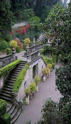 The park of Villa Pizzo, Cernobbio, Lago di Como Italian Garden, Italian Villa, Italy Vacation, Italy Travel, Siena Toscana, Caterina Valente, Comer See, Beautiful Villas, Beautiful Places