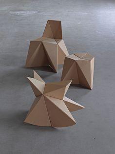 65 Trendy Ideas Cardboard Furniture Diy Chairs For Kids Cardboard Chair, Diy Cardboard Furniture, Diy Furniture Cheap, Diy Furniture Renovation, Paper Furniture, Cardboard Design, Diy Furniture Hacks, Cardboard Crafts, Furniture Legs