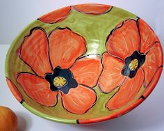 Handmade Large Majolica Pottery Serving por ClayLickCreekPottery click the image for more details. Painted Ceramic Plates, Ceramic Birds, Hand Painted Ceramics, Ceramic Painting, Ceramic Art, Pottery Bowls, Ceramic Pottery, Pottery Art, Pottery Painting Designs