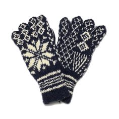 6ae0e8dcca 100% Pure Wool Norwegian Selbu Glove - Sweater Chalet Women s Gloves