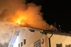 Dachstuhlbrand in Neumarkt am Wallersee fordert Feuerwehren - salzburg24.at