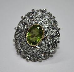 Green Tourmaline Oval & Diamond Round Studded 14Kt Gold Ring