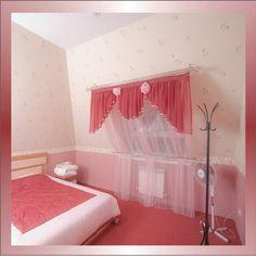 Шторы для спальни с наклонными стенами