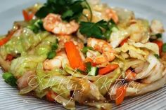 Stir Fried Cabbage and Carrots with Shrimps - Mely's kitchen