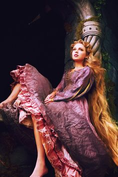 Taylor Swift as Rapunzel for the Disney Dreams Portraits~ Photo by Annie Leibovitz Foto Fantasy, Fantasy Art, Annie Leibovitz Photography, Harry Potter Next Generation, Princesa Disney, Fantasy Photography, Portrait Photographers, Taylor Swift, Character Inspiration