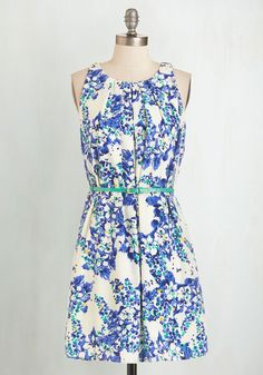 Great Wavelengths Dress in Blue Floral. Dont touch that dial!  #modcloth