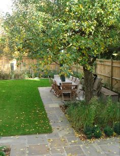 off-set paving, could build or do more in time but a nice outdoor space for eating outdoors in the summer (patio balcony ideas simple) Back Gardens, Small Gardens, Outdoor Gardens, Outdoor Paving, Patio Balcony Ideas, Casas Containers, Family Garden, Garden Trees, Garden Spaces