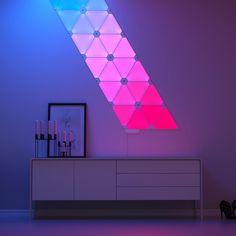 Nanoleaf Aurora Smarter Kit (Starterset en 9 panels) Interior Lighting, Home Lighting, Nanoleaf Designs, Nanoleaf Aurora, Aurora Led, Smart Lights, Neon Room, Color Changing Lights, Room Goals