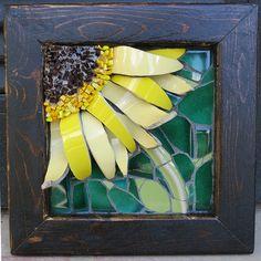 Flower Mosaic by Nikki Murray-Mason, Nikki Inc Mosaics, Bermuda. Available at the Windjammer II Gallery Mosaic Wall Art, Mosaic Diy, Mosaic Garden, Mosaic Crafts, Mosaic Projects, Tile Art, Mosaic Glass, Mosaic Tiles, Glass Art