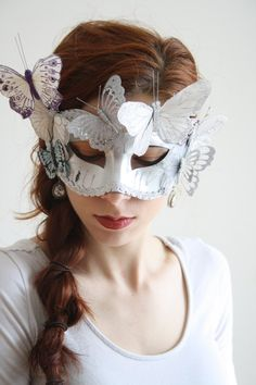 You are in the right place about diy carnival dress Here we offer you the most beautiful pictures about the diy carnival food you are looking for. When you examine the part of the picture you can get Mascarade Mask, Silver Masquerade Mask, Masquerade Party, Diy Carnival, Carnival Masks, Carnival Dress, Carnival Food, Carnival Makeup, Carnival Rides