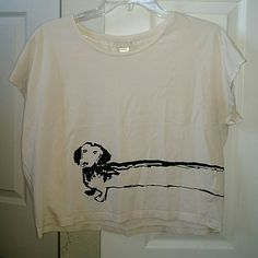 Dachshund crop top Cream colored crop top with cute puppy! H&M Tops Tees - Short Sleeve