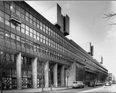 Facade, Institute of Education