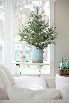 Easy Aqua Christmas Ideas !